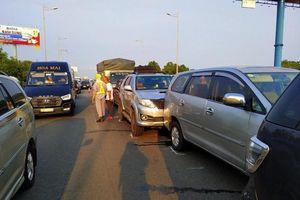 Tai nạn liên hoàn, lưu thông trên cao tốc TP.HCM - Long Thành - Dầu Giây gián đoạn
