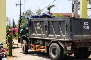 Quảng Nam: Tài xế bất cẩn khi lùi xe tải khiến hai bé gái tử vong tại chỗ