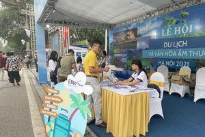 Không khí náo nhiệt của Lễ hội du lịch và văn hóa ẩm thực Việt Nam