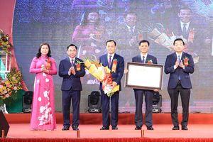 Huyện Thạch Thất đón nhận danh hiệu đạt chuẩn nông thôn mới