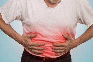 Đau bụng: Coi chừng bệnh trọng ở người cao tuổi