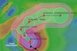 Siêu bão Surigae suy yếu nhanh