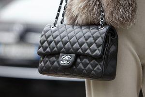Giá túi Chanel, Louis Vuitton tăng mạnh trong mùa dịch Covid-19
