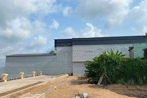 Phản hồi việc xây nhà nuôi chim yến trong khu sạt lở Vàm Nao