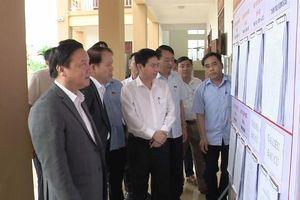 Phó Chủ tịch QH Nguyễn Khắc Định kiểm tra công tác bầu cử tại Hà Nam