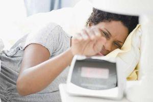 Người thường xuyên ngủ muộn có thể dậy sớm được không?
