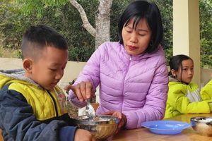 Thanh Hóa: Hai đứa con nuôi của Trường Mầm non Tén Tằn