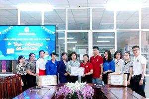Tuyên Quang: Trao tặng hơn 1.000 đầu sách nhân Ngày sách Việt Nam