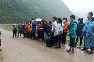Kịp thời ngăn chặn và đưa đi cách ly 36 công dân nhập cảnh trái phép qua biên giới