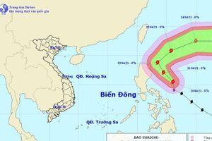 Siêu bão Surigae thay đổi cường độ, sức gió có thể đánh chìm tàu trọng tải lớn
