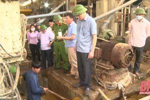 Huyện Quan Hóa phát hiện thêm các cơ sở ngâm ủ bột giấy xả thải chưa qua xử lý ra môi trường