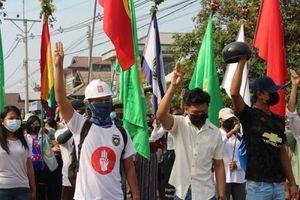 EU tiếp tục siết chặt nguồn tài chính của quân đội Myanmar
