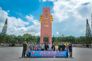 'Hành trình cựu thanh niên xung phong về cột mốc biên giới' nhân kỷ niệm 71 năm ngày Truyền thống lực lượng thanh niên xung phong Việt Nam