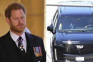 Họp gia đình xong, Harry đã bay về Mỹ với Meghan, không ở lại Anh dự sinh nhật Nữ hoàng?