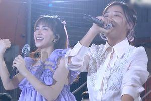 Văn Mai Hương, Hòa Minzy hát live 'Nếu như ngày anh đến'