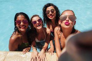 Những bữa tiệc bể bơi ở Mỹ trở lại