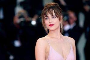Sao '50 sắc thái' đóng phim chuyển thể từ tiểu thuyết của Jane Austen