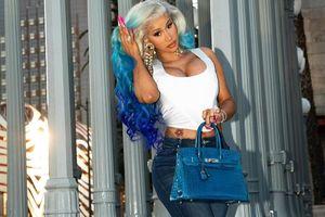 Cardi B mua túi Hermès 79.000 USD trùng màu với tóc