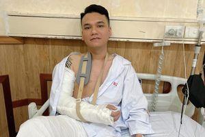 Sức khỏe của Khắc Việt sau ca phẫu thuật vì gãy tay