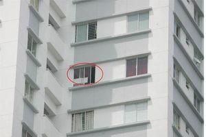 Ở chung cư cao tầng, bố mẹ làm ngay những điều này để bảo vệ an toàn cho con trẻ