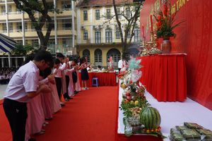 Trường học tổ chức Lễ giỗ Quốc tổ Hùng Vương: Để học sinh hướng về nguồn cội