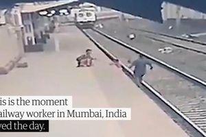 Công nhân đường sắt cứu em bé khỏi đường ray trong gang tấc khi tàu lao tới