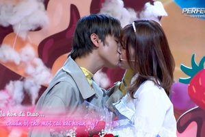 Hôn nữ chính trên sóng truyền hình xong lại từ chối lời tỏ tình vì nụ hôn có 'Hương vị tình bạn'