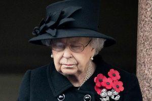 Nữ hoàng Anh cô đơn đón sinh nhật thứ 95