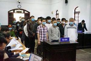 Vì sao tạm dừng phiên tòa xét xử 'đại gia'Trịnh Sướng và 38 bị cáo?
