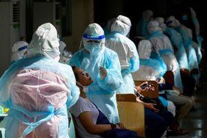 COVID-19 tại ASEAN hết 20/4: Trên 3,2 triệu ca bệnh; Thái Lan lùng mua vaccine