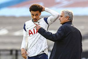 Jose Mourinho động đâu hỏng đấy ở Tottenham như thế nào?