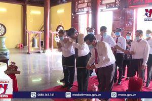 Dâng hương tưởng nhớ các Vua Hùng tại Kiên Giang