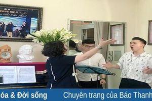 NGƯT Hoàng Hiền: Trọn vẹn tình yêu với sân khấu và bục giảng