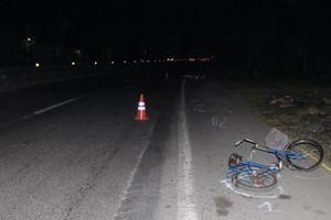 Vĩnh Long: Tìm người nhà nữ nạn nhân tử vong do tai nạn giao thông