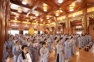 Hơn 400 Phật tử quy y Tam bảo tại chùa Thiên Quang