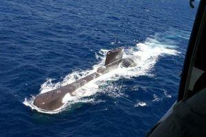 Indonesia tìm thấy vết dầu loang quanh điểm xuất phát của tàu ngầm mất tích