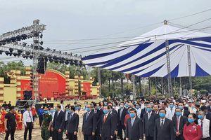Lãnh đạo, người dân TP.HCM dâng hương tưởng nhớ Vua Hùng