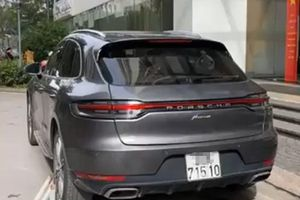Truy tìm tài xế lái xe Porsche gắn biển số giả