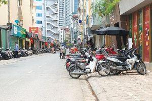 Buông lỏng quản lý trật tự đô thị trên phố Nguyễn Văn Tuyết