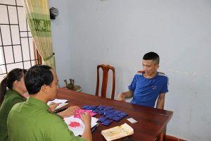Quảng Bình: Bắt giữ 2 đối tượng tàng trữ gần 4.500 viên ma túy