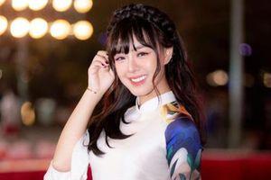 Nữ MC xinh đẹp tại PMPL S3 hé lộ: Rơi nước mắt vì nhiều áp lực!