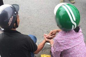 Ấm lòng hình ảnh người phụ nữ chạy đến hỗ trợ người gặp nạn, lời nhắn nhủ cuối khiến ai cũng cảm động