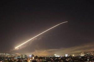 Israel nã 'mưa' tên lửa, Syria đánh chặn gần hết
