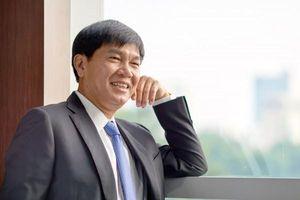 Tỷ phú Trần Đình Long: Đừng thấy người ta ăn khoai mà vác mai đi đào