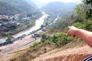 Người dân nơm nớp lo sợ quả 'bom đất' trên đỉnh núi ở huyện miền núi Nghệ An