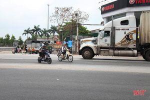 Muôn kiểu vi phạm luật giao thông ở Can Lộc