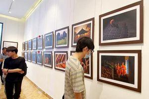 Chiêm ngưỡng những tác phẩm đẹp tại triển lãm ảnh 'Phật giáo trong đời sống'