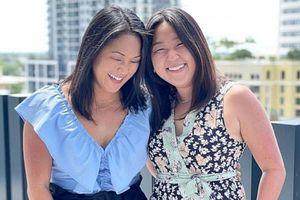 Cặp chị em sinh đôi thất lạc nhau 36 năm đoàn tụ trong ngày sinh nhật nhờ xét nghiệm ADN