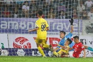 CLB Nam Định nhận án phạt gì sau vòng 10 V.league?