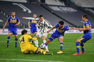 Ronaldo 'vô duyên', Juventus vẫn thắng đậm để nuôi mộng vô địch Serie A